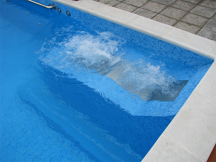 Пылесос для бассейна, как он работает?