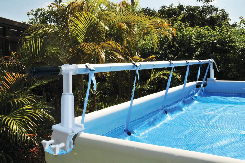 Как сделать сматывающее теплосберегающую пленку на бассейне устройство для круглых и овальных бассейнов?